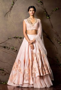 peach_lehenga_choli_shyamal_and_bhumika__71360-1441220277-1280-1280