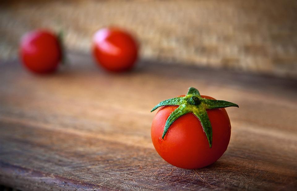 tomato for face fairness
